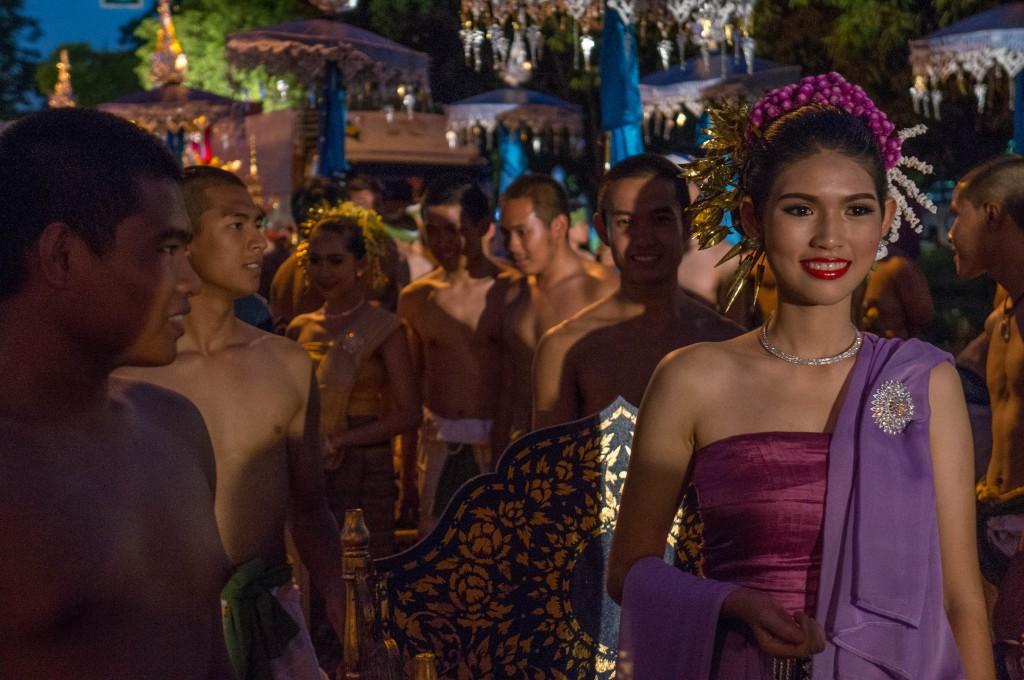 Traditionell gekleidete Teilnehmer der Parade
