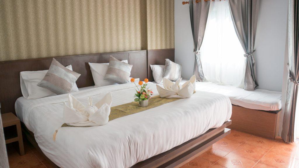 Unser Zimmer im Nice Beach House auf Koh Lanta: 12.000 Baht im Monat