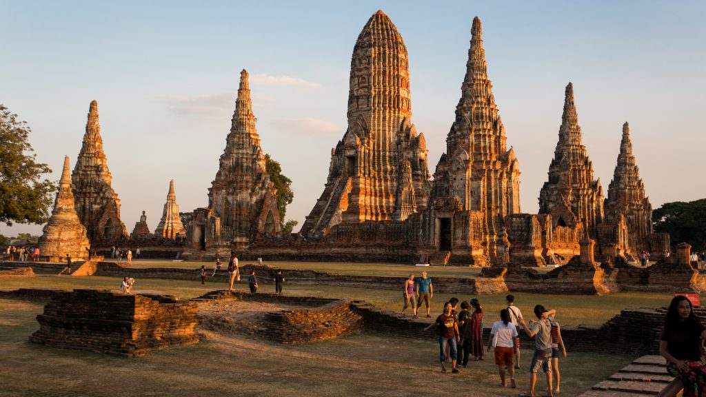 Am Wat Chaiwatthanaram siehst du den Sonnenuntergang in Ayutthaya am besten.
