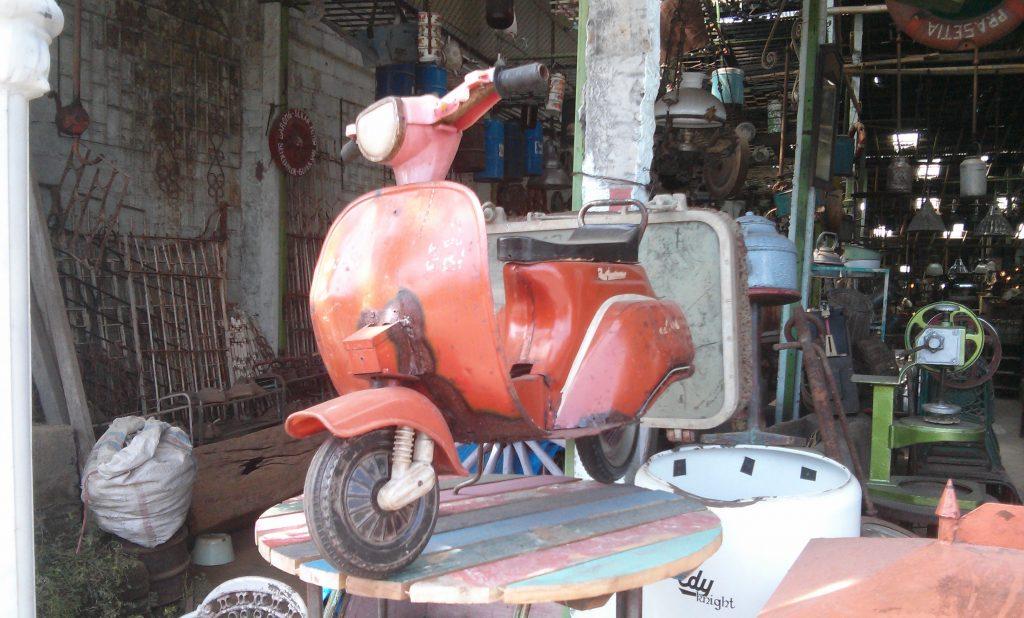 Eine Kunstgalerie mit Antiquitäten in Ubud