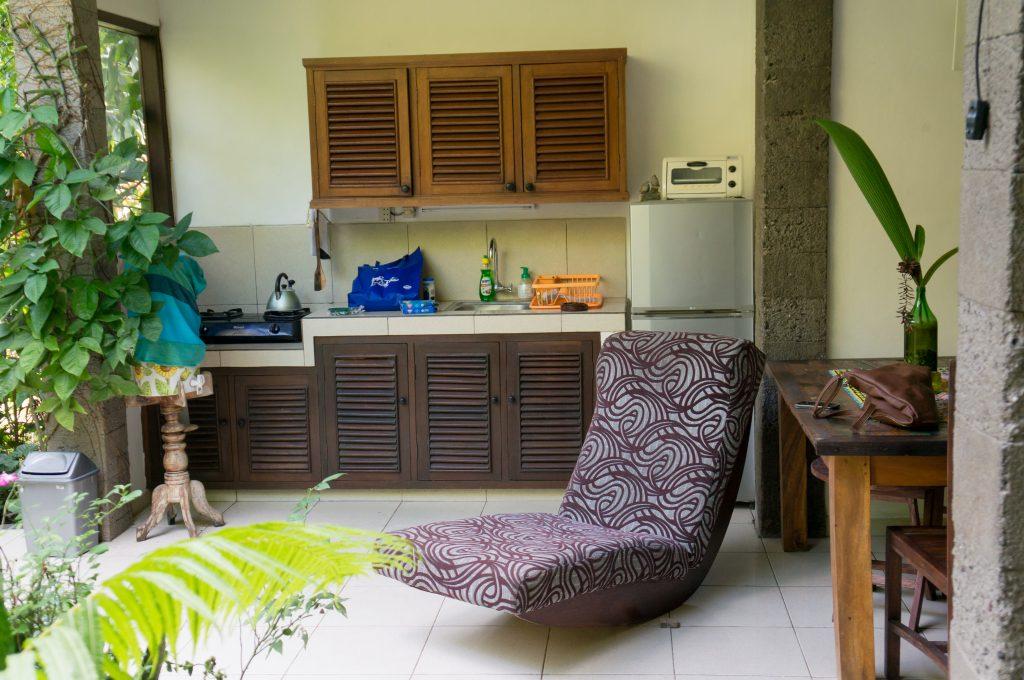 Offene Küche in unserer Villa im Rumah Semanggi
