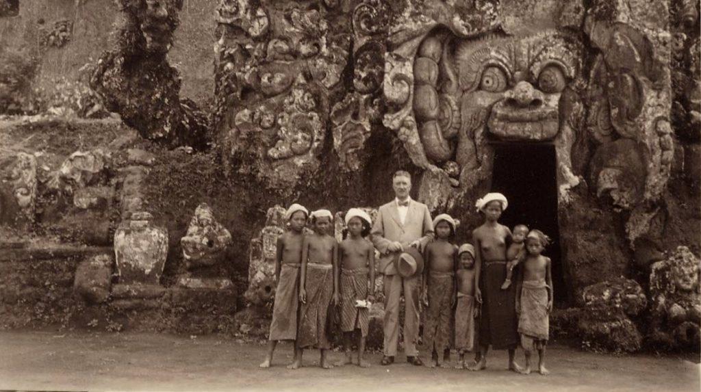 Historische Aufnahme der Goa Gajah Höhle auf Bali (Quelle: Universität Leiden, Niederlande)