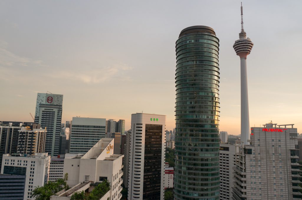 Hochhäuser und Fernsehturm in Kuala Lumpur