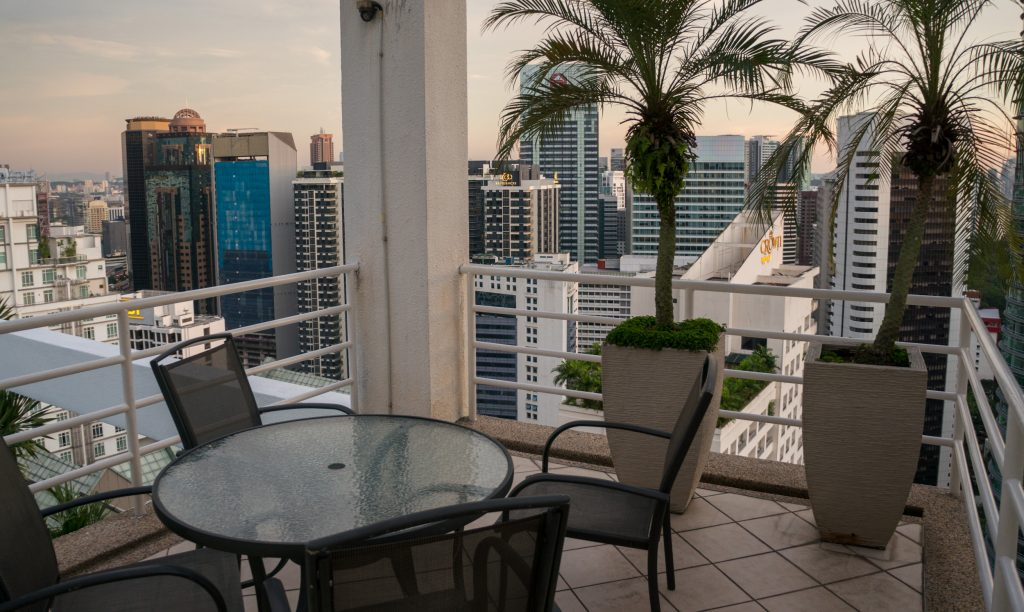 Blick von der Dachterrasse über die Stadt