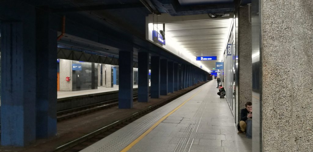 Vom Warschauer Hauptbahnhof geht es mit dem Nachtzug weiter nach Lviv in der Ukraine