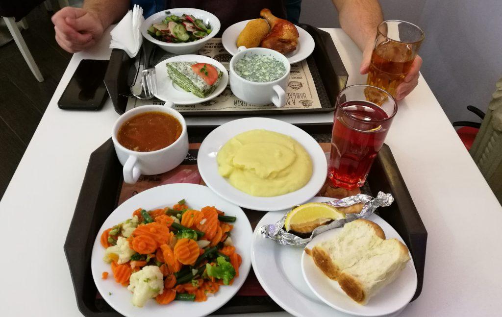 Eine Auswahl der Gerichte im Puzata Hata