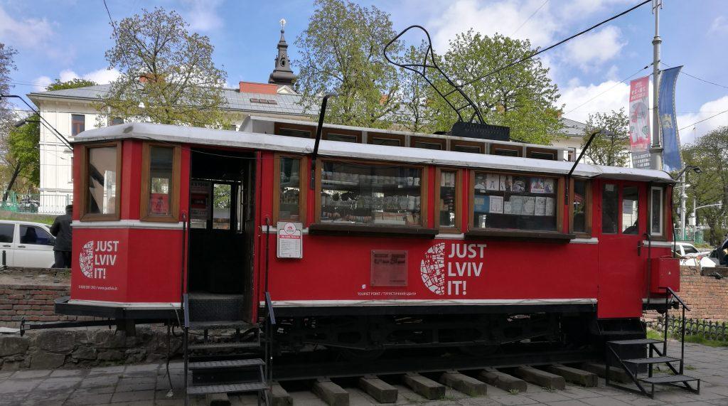 Eine ausgemusterte Straßenbahn wurde zum Tourist-Point umfunktioniert.