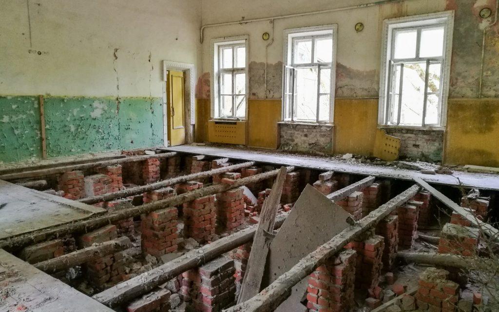 Die Gemeindehalle in Zalissia von Innen